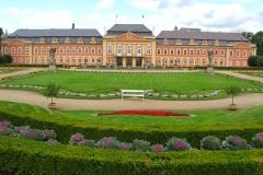 Výstava na zámku Dobříš